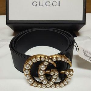 Gucci pearls belt